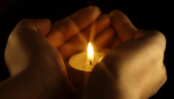 http://snoringscholar.com/wp-content/uploads/2010/11/candle-in-hands_BN.jpg